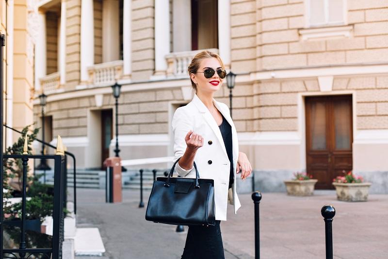 Зад всяка успешна жена стои невероятна чанта
